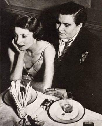 Lesf-brassai-1932-le-monocle