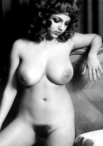 Technorati Tags: Buxom Beauties, Vintage Nude Pinups